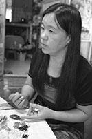 ミャンマーのタティング職人