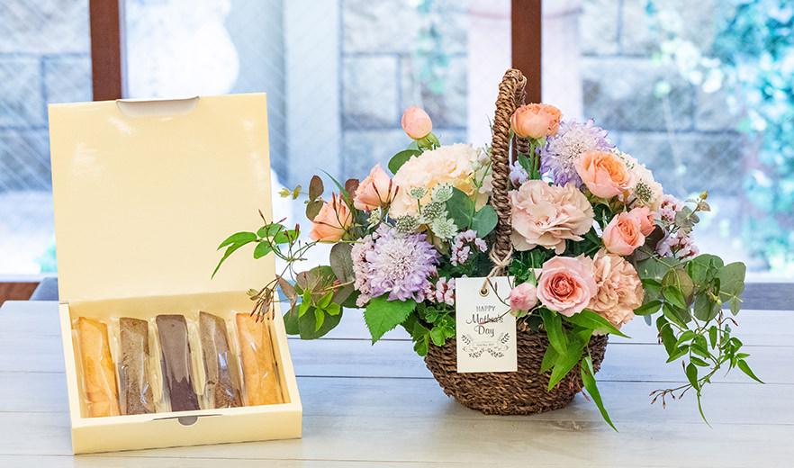 生花アレンジメントMommy(マミー)+フィナンシェ詰め合わせ ギフトセット